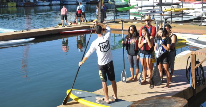 dominican-unviersity-service-day-by-paddleboard-cleans-up-the-san-rafael-canal