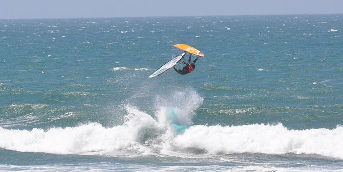 Learn to Windsurf and Rent Windsurfing Gear In San Francisco