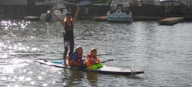 A family that paddles together!